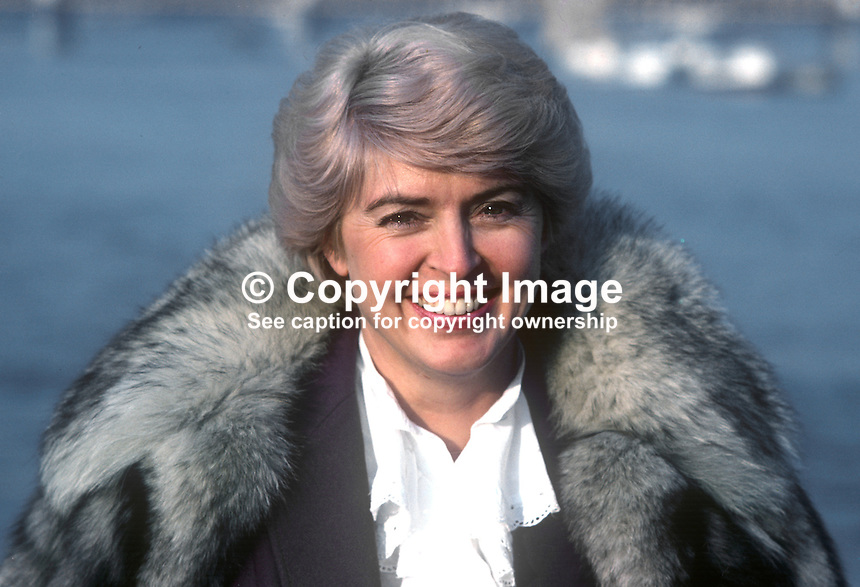 Gloria Hunniford, British television and radio presenter, born Portadown, N Ireland, photographed in London 23rd February 1982. 198202046b..Copyright Image from Victor Patterson, 54 Dorchester Park, Belfast, UK, BT9 6RJ..Tel: +44 28 9066 1296.Mob: +44 7802 353836.Voicemail +44 20 8816 7153.Skype: victorpattersonbelfast.Email: victorpatterson@me.com.Email: victorpatterson@ireland.com (back-up)..IMPORTANT: If you wish to use this image or any other of my images please go to www.victorpatterson.com and click on the Terms & Conditions. Then contact me by email or phone with the reference number(s) of the image(s) concerned.