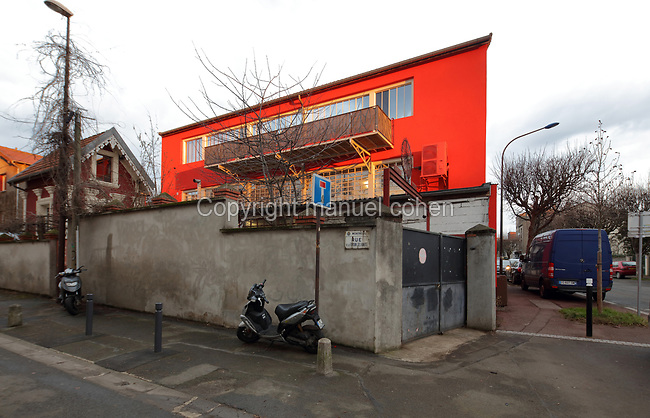 Soleil Rouge workshop of Nicolas Desbons, metalworker and artist, photographed in 2017, in Montreuil, a suburb of Paris, France. Desbons works mainly in steel but often in conjunction with other materials such as fibreglass, glass and clay, using both cold metal  and forge techniques. He produces both figurative and abstract sculptures as well as furniture and lighting. Picture by Manuel Cohen