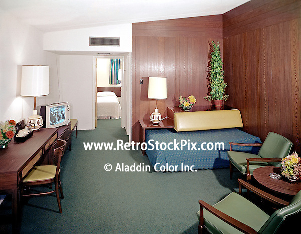 Attache Motel in Wildwood NJ Motel Room with plastic flowers & Black and White TV. 1960's