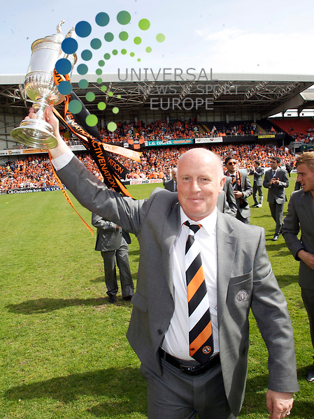 Peter Houston has today quit Dundee United 28/1/2013 Filer: Dundee United's  Scottish Cup Winning Party Season 2009/10.Manager Peter Houston, Dundee United Football Club's Celebrations on winning the 2010 Active nation Scottish Cup...At Tannadice Stadium, Dundee...Picture, Mark Davison/Universal News and Sport.