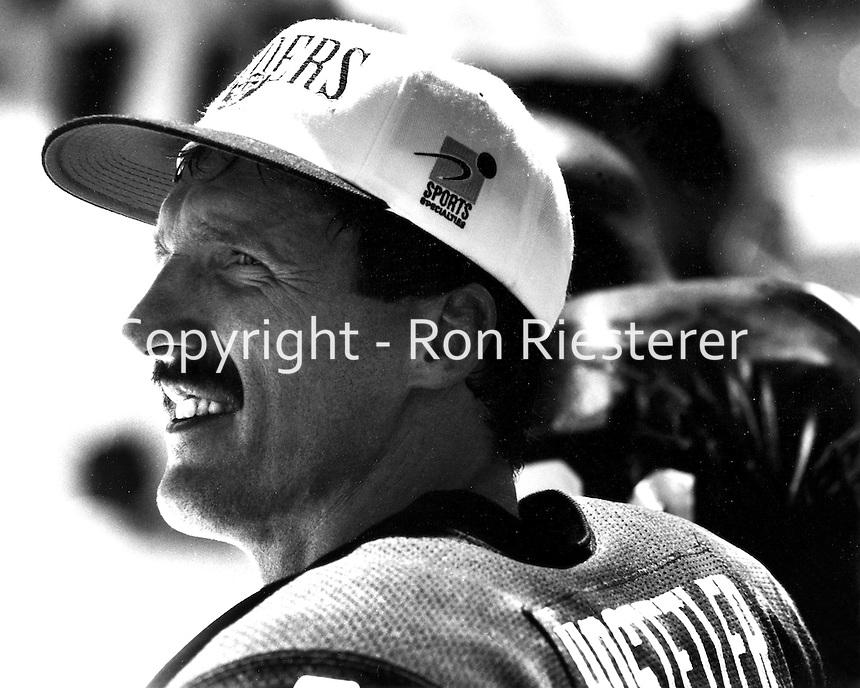 Oakland Raider Quarterback Jeff Hostetler <br />(1994 photo by Ron Riesterer)