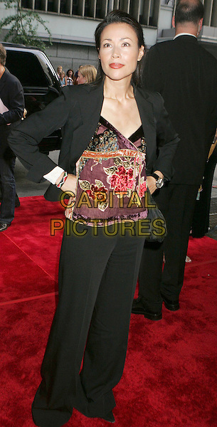 """ANN CURRY.At the """"Bad News Bears"""" Film Premiere held at the Ziegfeld Theatre, New York City, NY, .USA, 18 July 2005..half length anne.Ref: ADM.www.capitalpictures.com.sales@capitalpictures.com.©Alec Cole/AdMedia/Capital Pictures."""