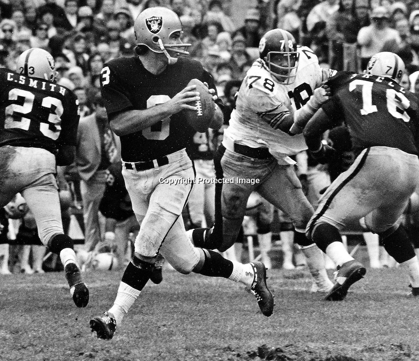 Raider QB Daryle Lamonica drops back to pass..Photo by Ron Riesterer