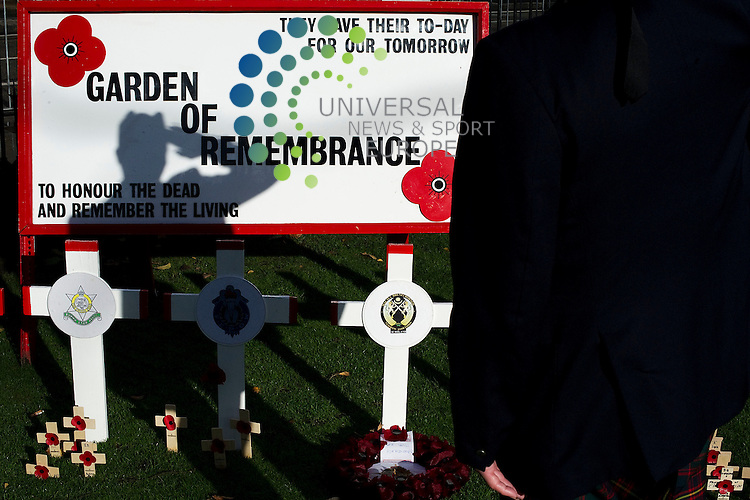 Two minutes silence is observed for Armistice Day in the Garden of Remembrance, Princes Street Gardens; Edinburgh, Scotland.11th November 2010...Picture:Scott Taylor Universal News And Sport (Europe) .All pictures must be credited to www.universalnewsandsport.com. (Office)0844 884 51 22.