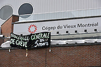 Montreal, CANADA, March 5, 2015. <br /> <br /> Special strike General Meeting of the CEGEP du Vieux-Montreal's student association <br /> <br /> Photo : Agence Quebec Presse - Philippe Nguyen