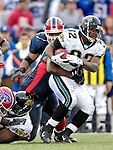 26 November 2006: Jacksonville Jaguars running back Maurice Jones-Drew (32) carries forward against the Buffalo Bills at Ralph Wilson Stadium in Orchard Park, NY. The Bills defeated the Jaguars 27-24. Mandatory Photo Credit: Ed Wolfstein Photo<br />