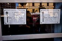 Roma, 9 Giugno  2015<br /> Il comune di Roma revoca la concessione del Nuovo Cinema Aquila, storico cinema del quartiere Pigneto, con tre anni di anticipo rispetto alla scadenza del regolare contratto di concessione e i lavoratori del cinema verranno licenziati.<br /> Il Nuovo Cinema Aquila &egrave; l'unico cinema che a Roma  a proiettato il film di Sabina Guzzanti &quot;La trattativa Stato-Mafia&quot;.  <br /> Rome, June 9, 2015<br /> The municipality of Rome revoked the grant of the Nuovo Cinema Aquila, the historic movie theater of Pigneto, with three years in advance of the expiry of the concession contract and regular employees of the cinema will be laid off.<br /> The Nuovo Cinema Aquila is the only cinema in Rome to screen the film by Sabina Guzzanti &quot;Negotiation State-Mafia&quot;.
