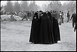 Mourners in Behesht e Zahra, the capital's main cemetery, during the funerals for those killed in 24 of Esfand Square the day before. Tehran, December 28, 1978.