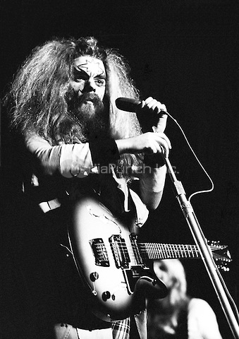 WIzzard pictured in 1973. Credit: Ian Dickson/MediaPunch