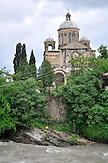 Orthodoxe Kirche am Rioni-Fluss in Kutaissi. / Georgian Orthodox Church of Annunciation in Kutaisi.