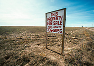 February 1983 --- The agricultural crisis in the USA has led hundreds of farmers to abandon their farms. --- Image by © JP Laffont