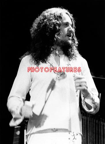 Yrs 1985 Jon Anderson at Reding Festival August 23rd.<br /> &copy; Chris Walter