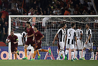 Calcio, Serie A: Roma, stadio Olimpico, 14 maggio 2017.<br /> AS Roma's Daniele De Rossi (l) celebrates after scoring during the Italian Serie A football match between AS Roma and Juventus at Rome's Olympic stadium, May 14, 2017.<br /> UPDATE IMAGES PRESS/Isabella Bonotto