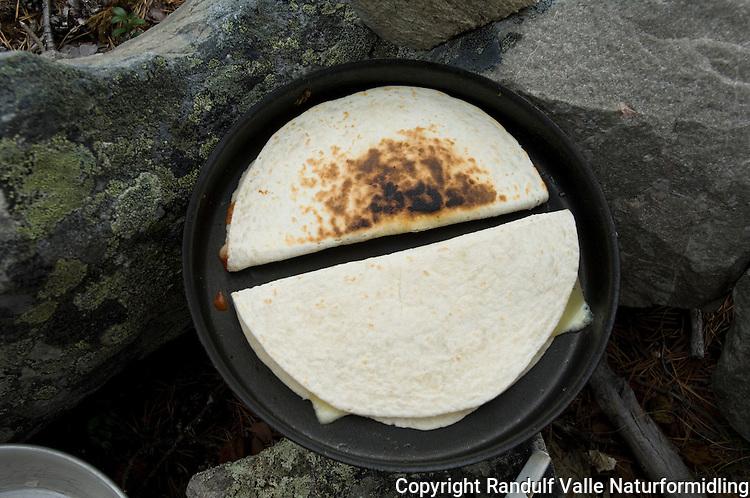 Tortilla som turmat ---- Tortilla made on stove