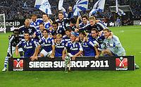 FUSSBALL   1. BUNDESLIGA   SAISON 2011/2012   SUPERCUP FC Schalke 04 - Borussia Dortmund            23.07.2011 Die Mannschaft vom FC Schalke 04 jubelt mit dem Ligapokal
