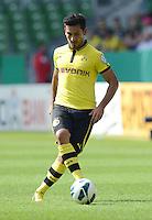 FUSSBALL   DFB POKAL   SAISON 2012/2013   1. Hauptrunde FC Oberneuland - Borussia Dortmund            18.08.2012 Ilkay Guendogan (Borussia Dortmund) Einzelaktion am Ball