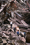 00150_ 03; USA; 09/2001, USA-10538<br /> <br /> Work crews begin to clear the mountain of wreckage from the collapse of the World Trade Center's Twin Towers, New York, NY, USA, September, 2001.