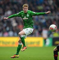 FUSSBALL   1. BUNDESLIGA   SAISON 2012/2013    24. SPIELTAG SV Werder Bremen - FC Augsburg                           02.03.2013 Kevin De Bruyne (SV Werder Bremen) Einzelaktion am Ball