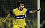 Con una gran actuación de Riquelme, el equipo de Falcioni le ganó por 3-0 a Godoy Cruz y sigue solo en la punta