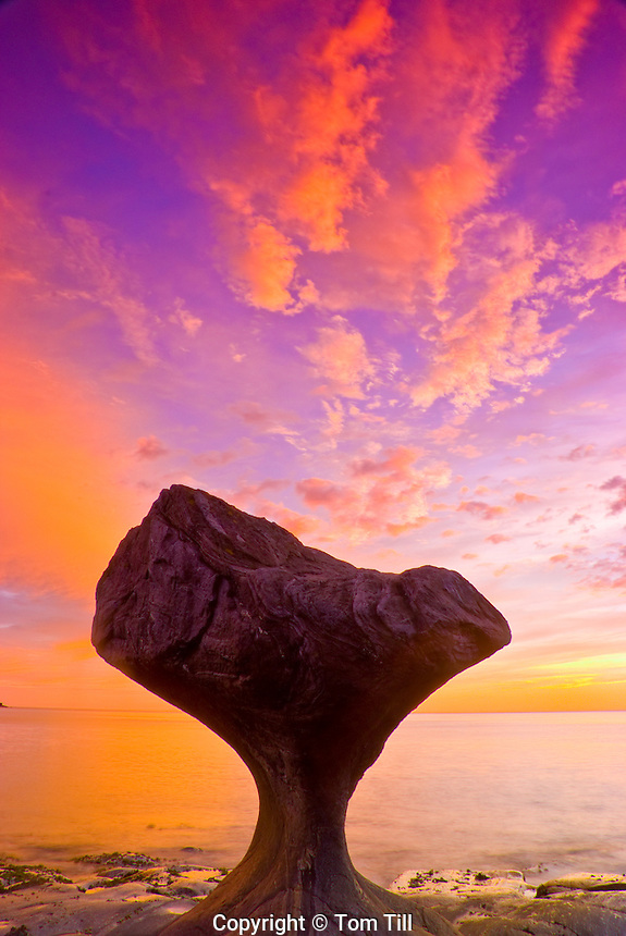 Kannesteinen balanced rock, North Sea Coast, Norway    Wave-formed shore feature