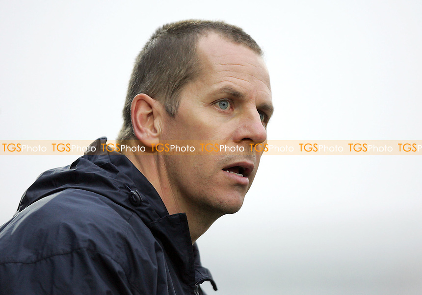 Scott Barrett - Assistant Manager - Grays Athletic FC - 04/02/06 (Gavin Ellis 2006)