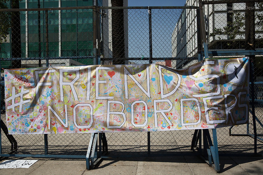 """A banner with message """"Friends, no borders"""" seen in front of the US embassy in Mexico City, Mexico on February 12, 2017. Photo by Bénédicte Desrus"""