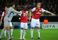 FUSSBALL   CHAMPIONS LEAGUE   SAISON 2011/2012  Borussia Dortmund - Arsenal London        13.09.2001 Torwart Wojciech Szczesny, Gervinho und Per Mertesacker (v.l., alle Arsenal)
