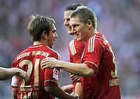 FUSSBALL   1. BUNDESLIGA  SAISON 2011/2012   11. Spieltag FC Bayern Muenchen - FC Nuernberg        29.10.2011 Jubel nach dem Tor zum 2:0, Philipp Lahm, Bastian Schweinsteiger (v. li., FC Bayern Muenchen)