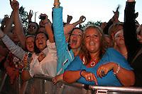 Folk på Sommerfestivalen liker DDE. Foto: Bente Haarstad Sommerfestivalen i Selbu er en av Norges største musikkfestivaler. Sommerfestivalen is one of the biggest music festivals in Norway.