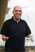 Philippe Croizon traverse les 5 continents à la nage