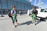 SCHAATSEN: SALT LAKE CITY: Utah Olympic Oval, 12-11-2013, Essent ISU World Cup, training, Ireen Wüst, Douwe de Vries, ©foto Martin de Jong