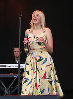 Marthe Valle fikk spellemannspris som årets nykommer 2005, Sommerfestivalen i Selbu, Marthe Walle. Sommerfestivalen i Selbu er en av Norges største musikkfestivaler. Sommerfestivalen is one of the biggest music festivals in Norway.