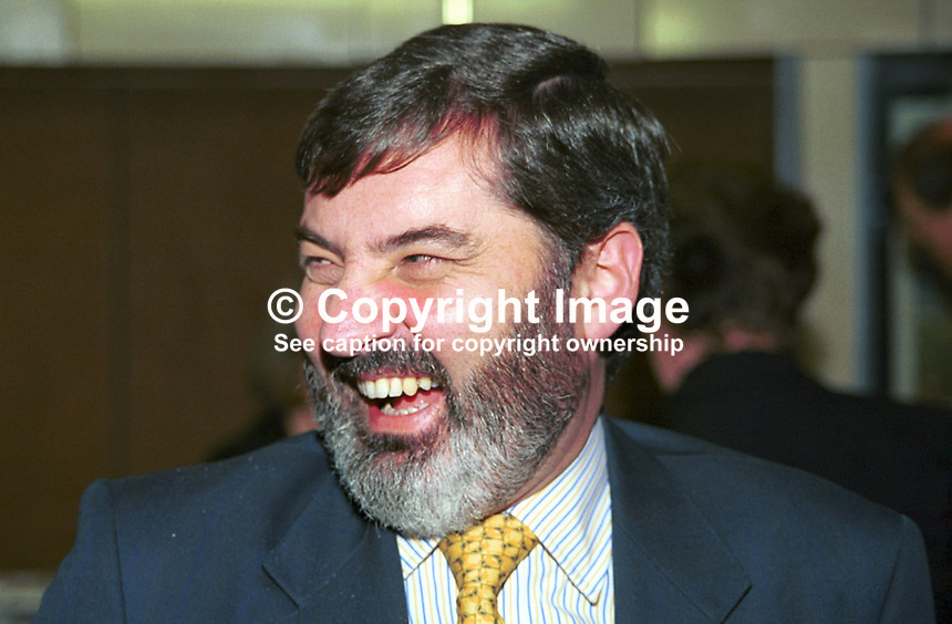Lord Alderdice, Speaker, N Ireland Assembly, John Alderdice, Alliance Party of N Ireland, 199909066, politician, UK..Copyright Image from Victor Patterson, 54 Dorchester Park, Belfast, UK, BT9 6RJ..Tel: +44 28 9066 1296.Mob: +44 7802 353836.Voicemail +44 20 8816 7153.Skype: victorpattersonbelfast.Email: victorpatterson@mac.com.Email: victorpatterson@ireland.com (back-up)..IMPORTANT: If you wish to use this image or any other of my images please go to www.victorpatterson.com and click on the Terms & Conditions. Then contact me by email or phone with the reference number(s) of the image(s) concerned.
