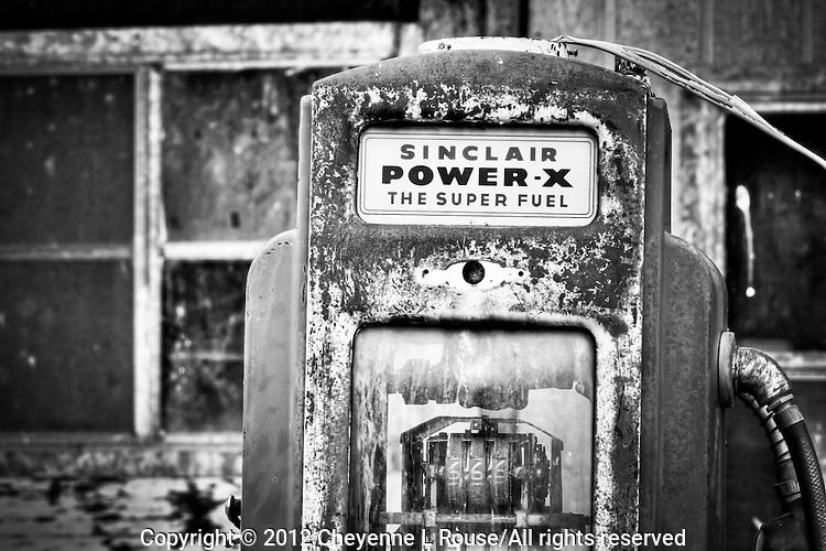 Old Sinclair gas pumps in Utah