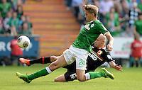 FUSSBALL   1. BUNDESLIGA   SAISON 2013/2014   2. SPIELTAG SV Werder Bremen - FC Augsburg       11.08.2013 Nils Petersen (li, SV Werder Bremen) gegen Tobias Werner (re, FC Augsburg)