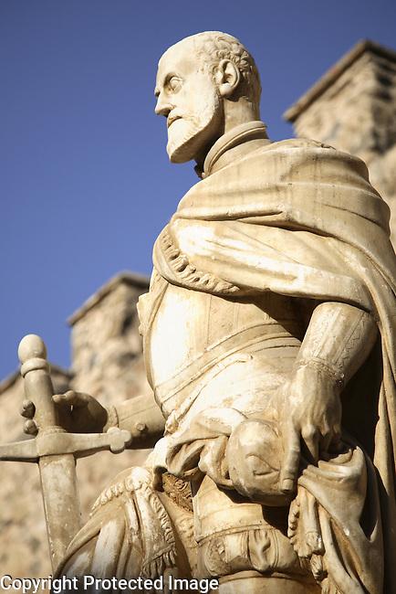 Statue to Alfonso VI, Puerta Nueva de Bisagra, Toledo, Castile La Mancha, Spain
