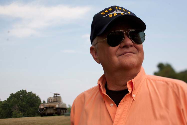 ©2010 David Burnett.Contact Press Images.703 527 2388/ rep. by Cathy Saypol..Author Tom Clancy (wife Alex) and General Chuck Horner  at Huntingtown, MD home of Clancy