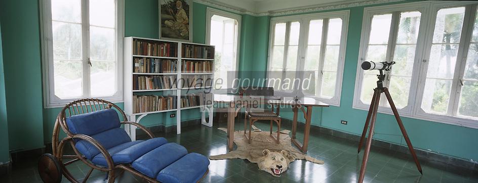 """Cuba/Env La Havane/San Francisco de Paula: Chambre de la tour de la """"Finca Vigia"""" ferme de la vigie, maison d'Ernest Hemingway"""