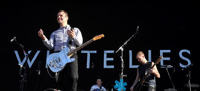 Highfield-Festival 2011 am Störmthaler See. im Bild: White Lies, in Front Sänger Harry McVeigh. Foto: Alexander Bley