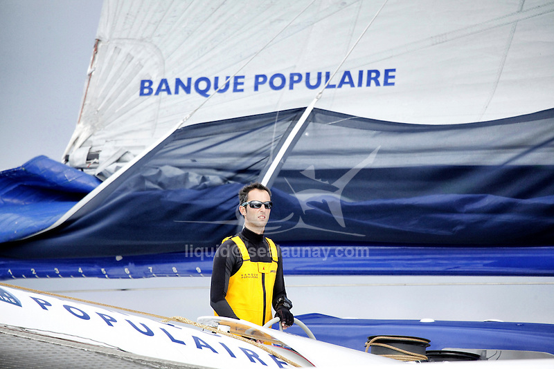 Armel le cl ac h and the maxi trimaran solo banque populaire vii trans at the start of the - Armel le cleac h banque populaire ...
