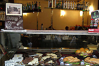 Perugia. Bar e dolci di cioccolata. Perugia. Bar and sweet of chocolate.....