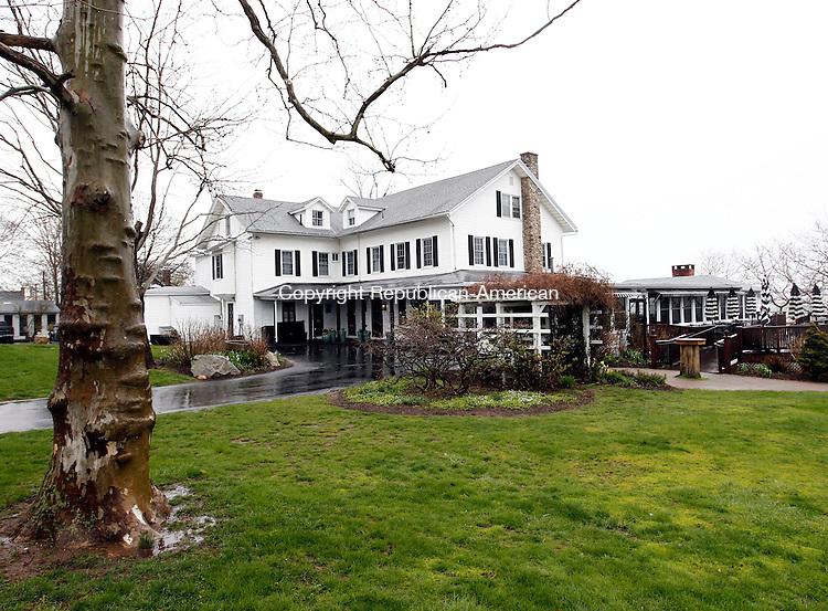 Woodbury, CT- 20 April 2014-042014CM08- The Owenego Inn along the Long Island Sound in Branford.   .   Christopher Massa Republican-American