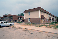 1992 May 01..Assisted Housing..Oakleaf Forest...Exteriors.East Side of Greenleaf Drive...NEG#.NRHA#..HOUSING:OaklfF 1 2:1