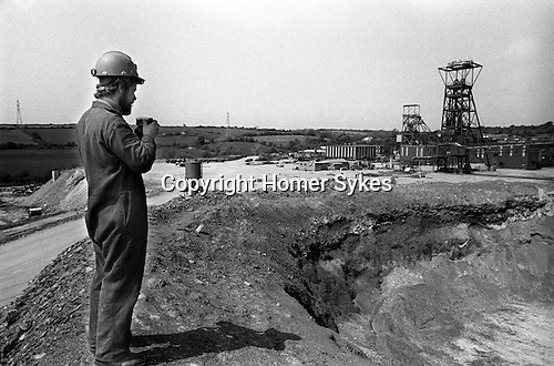 Wheal Jane Tin Mining Cornwall 1978.  Miners takes a photo of the mine before its closed down for good.