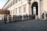 "Roma 22 Novembre 2007.Donne soldato del 235° Reggimento ""Piceno""  composto di sole donne equipaggiate con fucile mitragliatore Beretta Ar 70/90 durante il cambio della guardia al Quirinale sede del Presidente della Repubblica .23 November 2007.Italian women soldiers perform the daily changing of the guard ceremony at the 'Quirinale Palace' presidential residence in central Rome . Some 50 armed women sentries volunteers from Italy's 235th 'Piceno' regiment, take part for the first time in a ceremony at the Palace guards corps..Equipped with submachine gun Beretta AR 70/90."