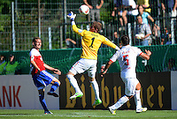 FUSSBALL  DFB POKAL        SAISON 2012/2013 SpVgg Unterchaching - 1. FC Koeln  18.08.2012 Manuel Fischer (li, Unterhaching) gegen Torwart Timo Horn (Mitte, 1. FC Koeln) gegen Dominic Maroh (1. FC Koeln)