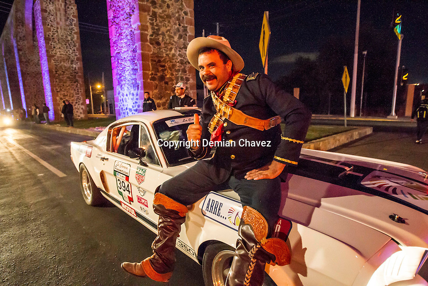 Querétaro, Qro. 13 de Octubre de 2016.- Por primera ocasión se dió el banderazo de salida de la Carrera Panamericana 2016.