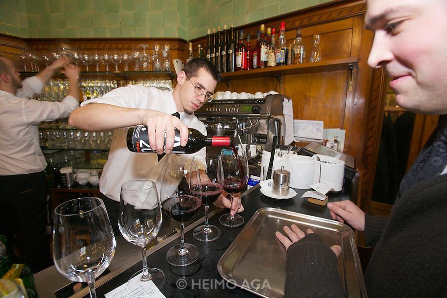 Vienna. Zum schwarzen Kameel. The wine bar.