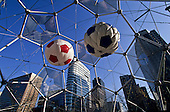 Football in south korea///Football en coree du sud///World cup balls  Séoul  Korea   ballons de la coupe du monde  Séoul  coree  ///R20136/    L0006904  /  P105201