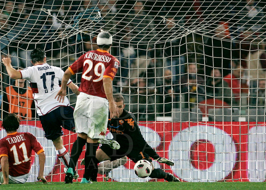 Calcio, Serie A: Roma-Genoa. Roma, stadio Olimpico, 15 ottobre 2010..Football, Italian serie A: AS Roma vs Genoa. Rome, Olympic stadium, 15 october 2010..Genoa forward Gergely Rudolf, of Hungaria, top left, scores..UPDATE IMAGES PRESS/Riccardo De Luca